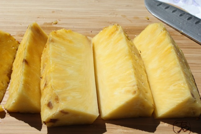 IMG 2084 640x480 How to Grill Pineapples    grilling steps and tips