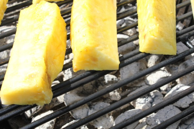 IMG 2087 640x480 How to Grill Pineapples    grilling steps and tips