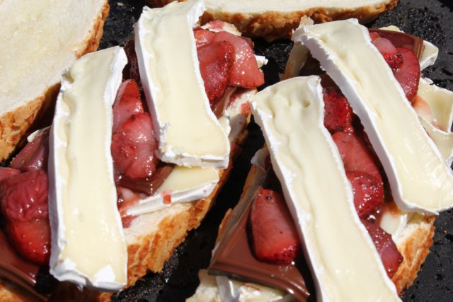 IMG 3379 640x480 Grilled Strawberry, Chocolate and Brie Sandwich
