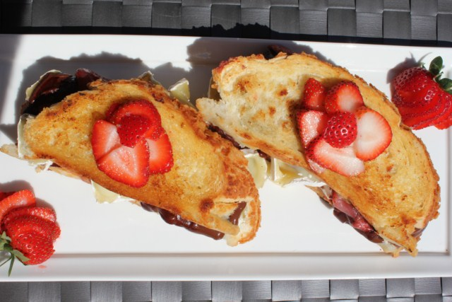 IMG 3394 640x480 Grilled Strawberry, Chocolate and Brie Sandwich