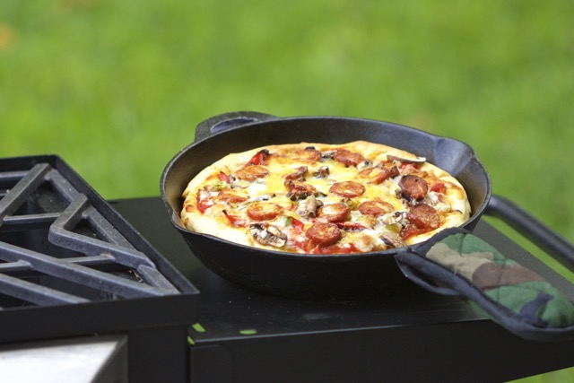 Easy Cast Iron Skillet Linguica Pizza Recipe