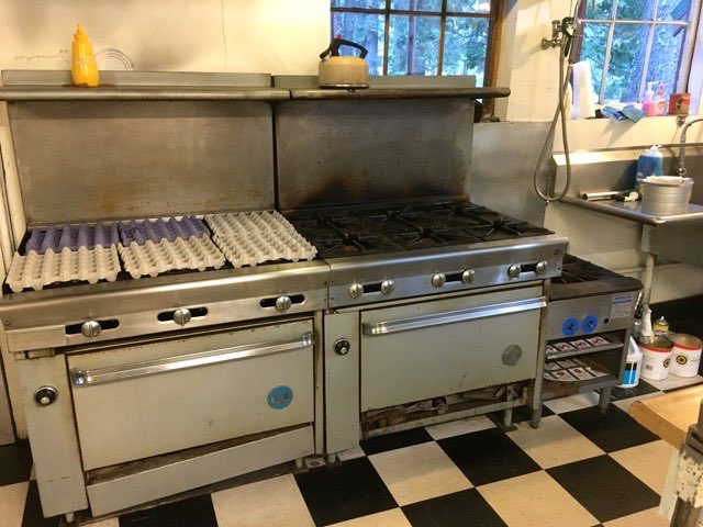 Six burners stove with griddle | Cooking-Outdoors.com | Gary House